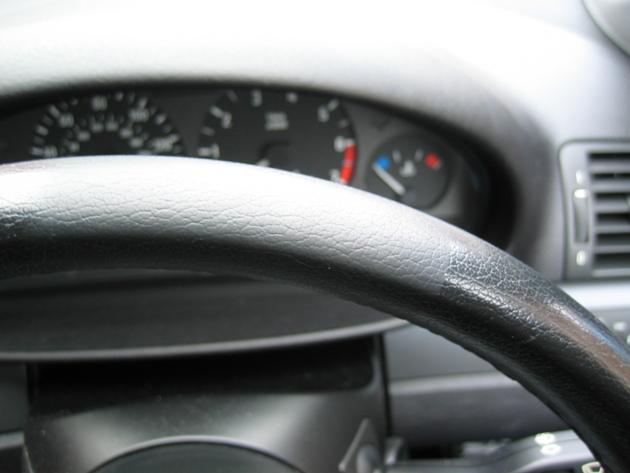 Steering Wheel Cleaner >> Impee S Diy Clean Shiny Steering Wheel Bmw E46